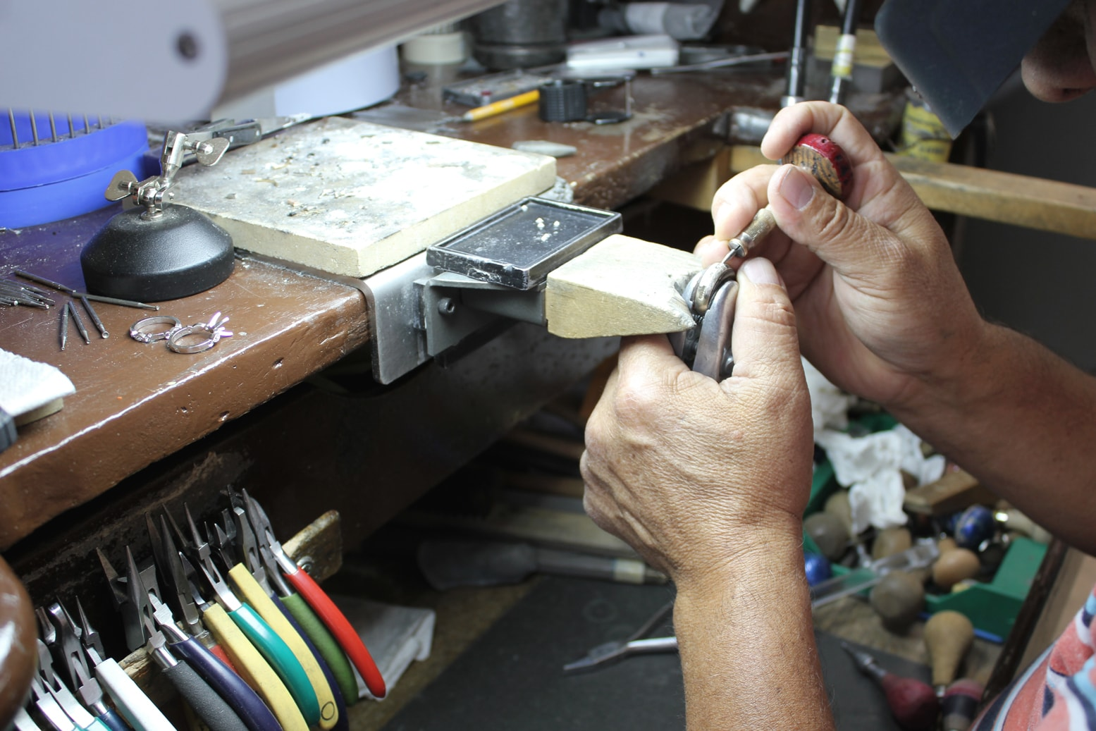 Your unique design will be polished by our expert bench jewelers
